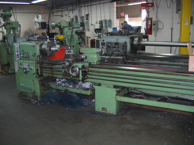 UCIMU Ferro-20 Engine Lathe, Machine ID: 5077
