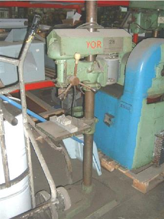 Canadian No 15 Drill Press, Machine ID: 5974